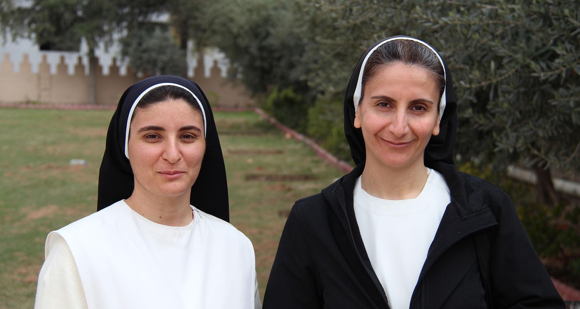 Irmãs Luma Khuder e Nazek Matty querem voltar para o seu convento na Planície de Nínive, Iraque