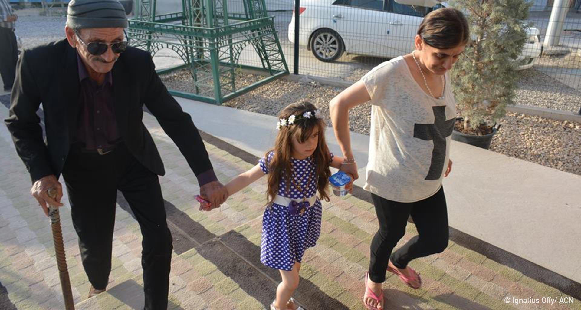 Iraque: Depois de três anos, a menina Cristina retorna à sua família.
