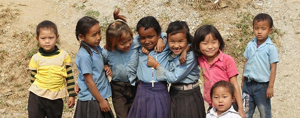 Crianças na Casa de Missão de Amgachhi