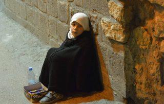 Criança nas ruas de Damasco; a situação na capital síria é crítica
