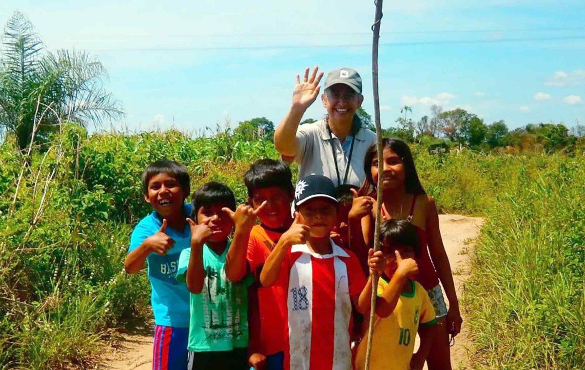 Paróquia de Carmelo Peralta - missionário em comunidade indígena no Paraguai