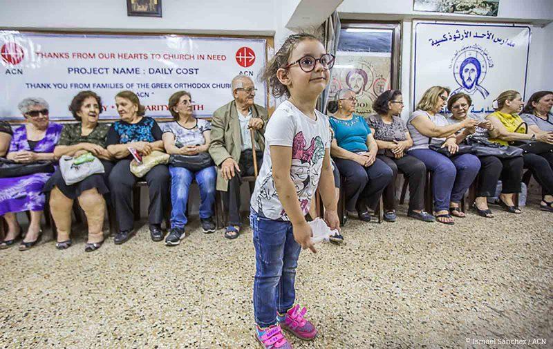 Menina na Missão ACN em Aleppo