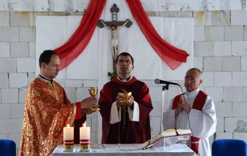 Janelas e portas para a igreja filial recém-construída em Cizatice-paróquia Kecerovce.