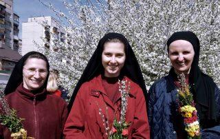 Ajuda existencial para as Irmãs contemplativas do Convento Redentorista na Ucrânia