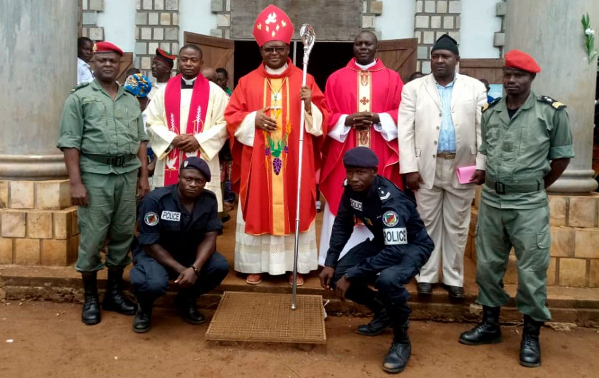 Bispo Auxiliar da Arquidiocese de Bamenda Dom, Michael Miabesue Bibi