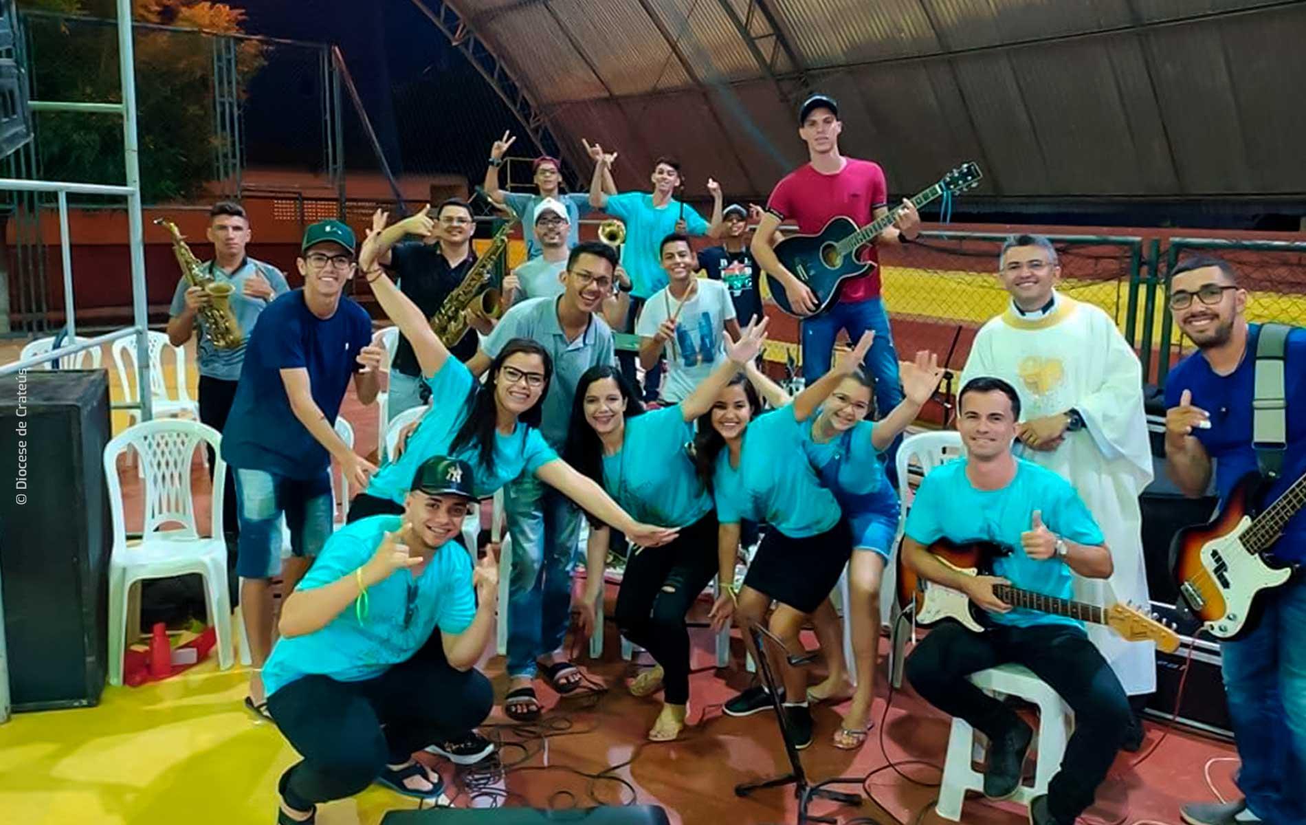 ACN - Notícias - Padre no Ceará busca ajudar os jovens na quarentena