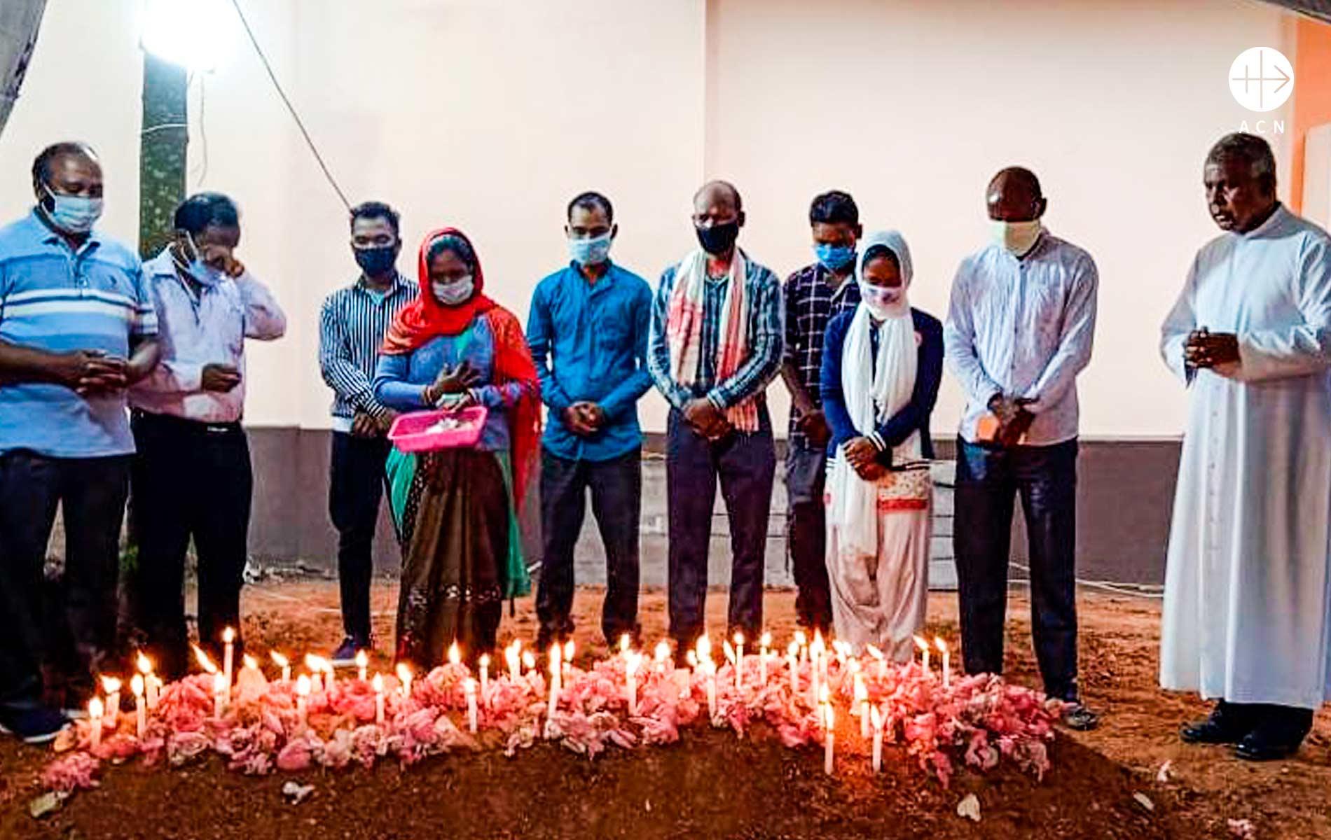 Pacote de ajuda humanitária para Índia
