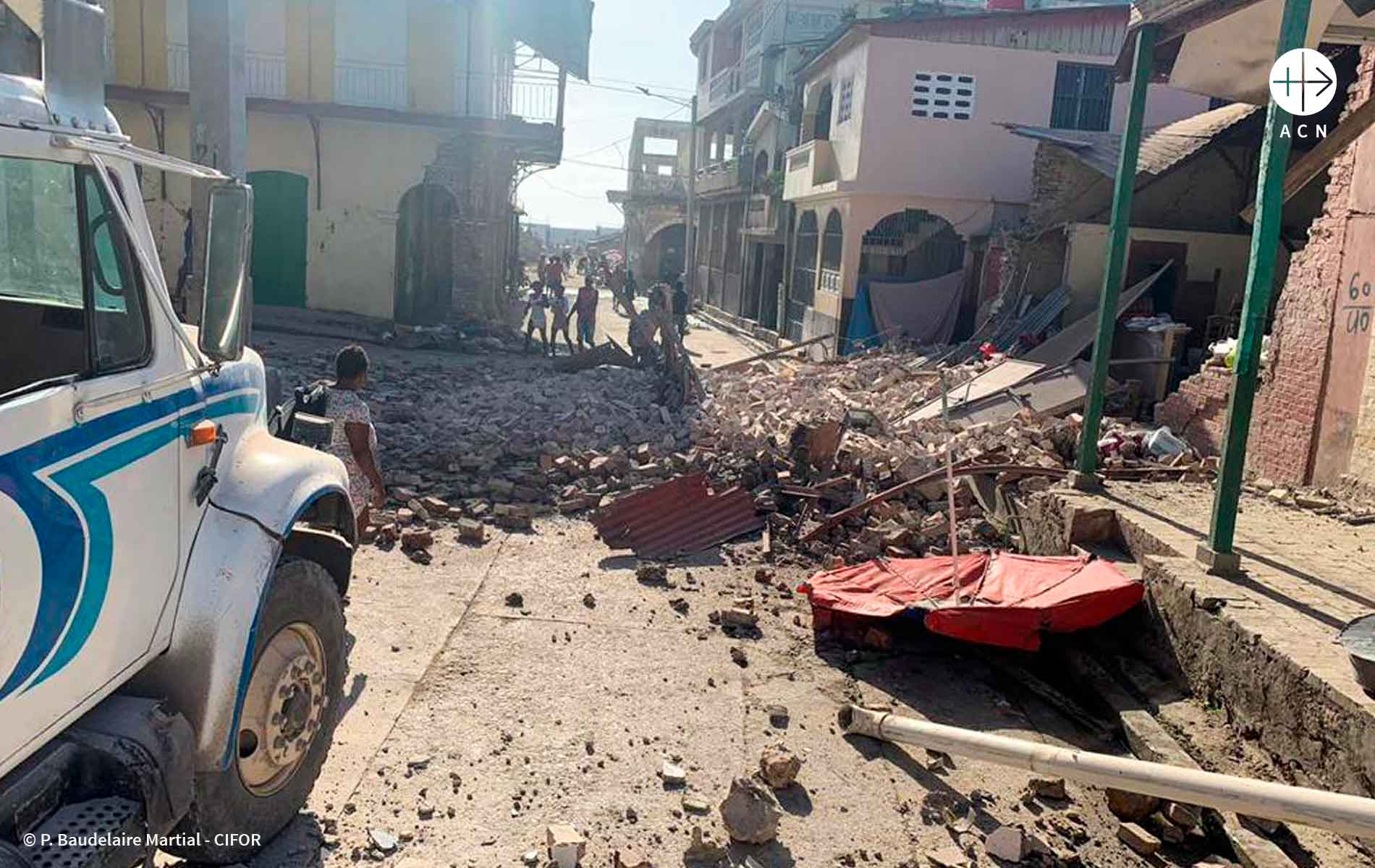 rua no aiti destruída pelo terremoto