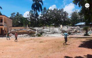 foto de casas destruídas pelo terremoto